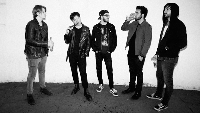 NOTHING BUT THIEVES - Interview - Paris, mercredi 25 novembre 2015 - Stars Are Underground