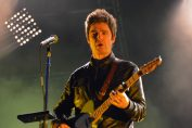 NOEL GALLAGHER'S HIGH FLYING BIRDS - Oui FM Festival, Place de la République - Paris, mardi 23 juin 2015