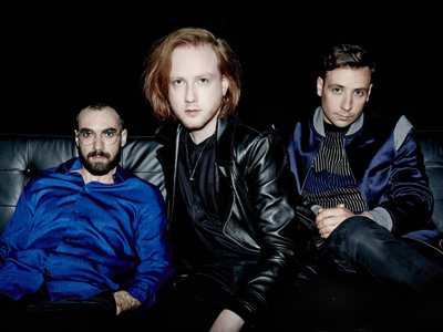"TWO DOOR CINEMA CLUB dévoile ""Are We Ready? (Wreck)"""