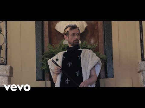 THE DIVINE COMEDY – «How Can You Leave Me On My Own»