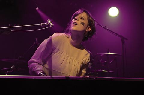 ANNA AARON - Soirée Newton - La Flèche d'Or, Paris, mercredi 23 novembre 2011