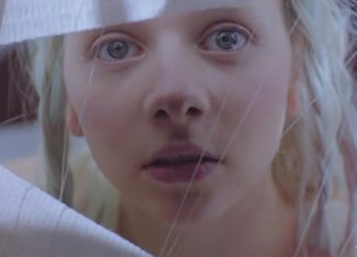 "AURORA dévoile le clip de ""Winter Bird"""