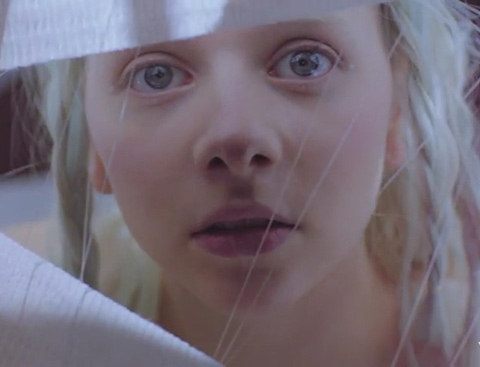 AURORA dévoile le clip de « Winter Bird »