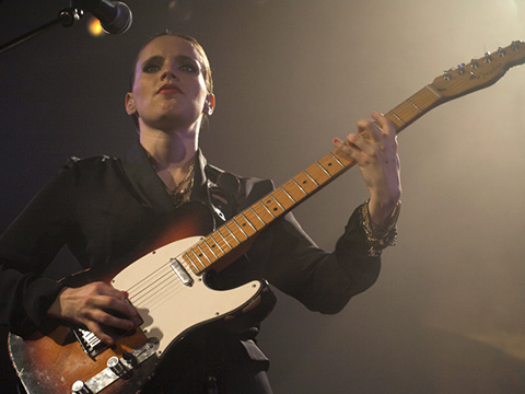 ANNA CALVI -  Le Trianon - Paris, vendredi 22 avril 2011