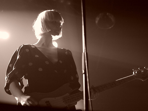 THE RAVEONETTES –  La Machine Du Moulin Rouge – Paris, mardi 7 juin 2011