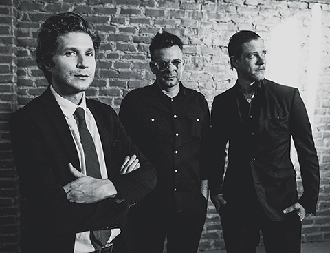 "INTERPOL en concert pour les 15 ans de ""Turn On The Bright Lights"""