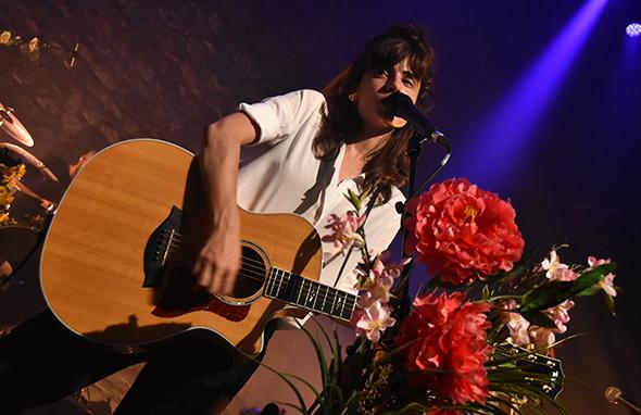 LOLA MARSH - Le Café de la Danse - Paris, jeudi 15 juin 2017