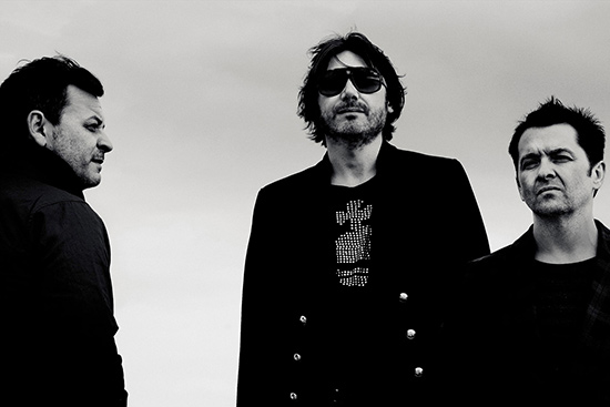 MANIC STREET PREACHERS – « International Blue »