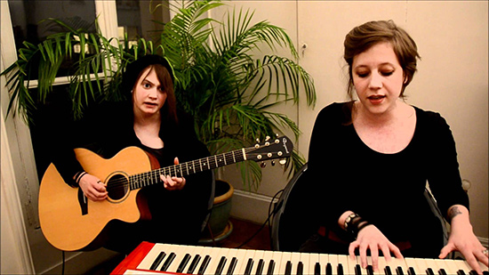 "[Session acoustique] ANNA AARON - ""Sea Monsters"""