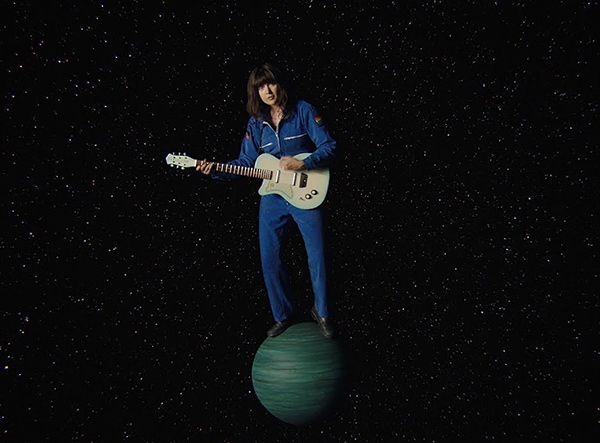 COURTNEY BARNETT – « Need A Little Time »