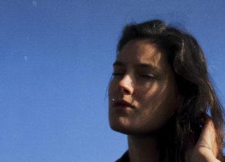 """Claire days dévoile son EP """"Lava"""" le 31 janvier"""